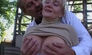 Granny receives drilled in be passed on regarding size