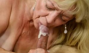 Saggy grandma receives cum in frowardness