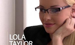 Nympho secretary Lola Taylor Double Penetrated nearby Office