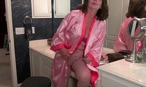 American grannies Ava and Penny having bathroom lark